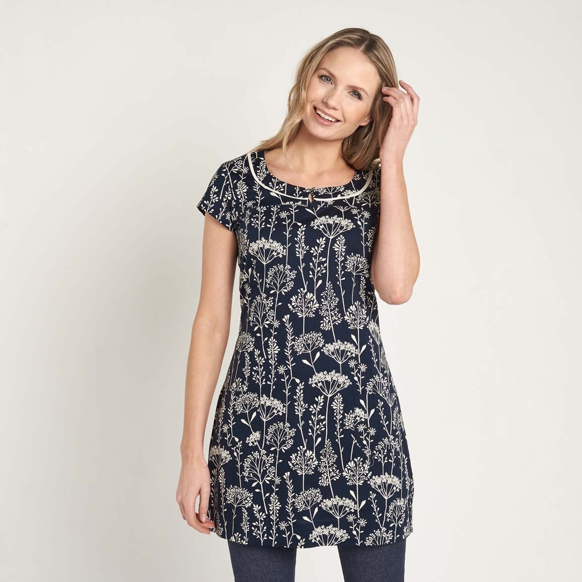 Weird Fish Alana Short Sleeve Printed Stretch Tunic Top Navy Size 10